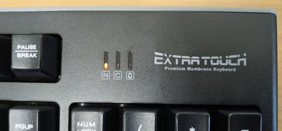エレコム tk-fdm088tbkのデザイン 急な電池切れを防ぐ「電池残量ランプ」