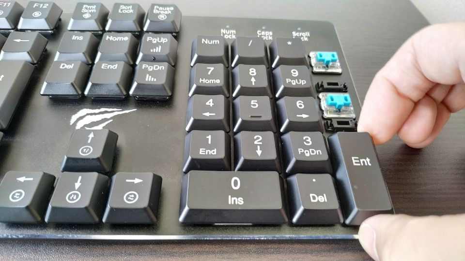 キーボードの外し方と分解 メカニカル 素手