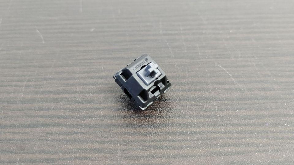 メカニカルキーボードのCherry MX ダークグレー軸
