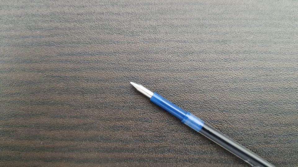 ボールペンのペン先の構造
