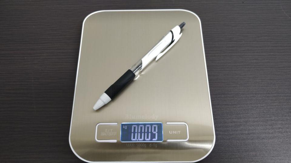 三菱鉛筆「ジェットストリーム スタンダード」のデザイン「重量」