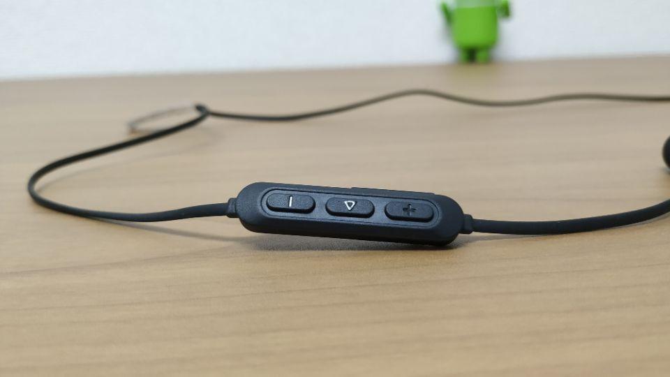 Anker「SoundBuds Slim」改善版のデザイン「コントローラー」