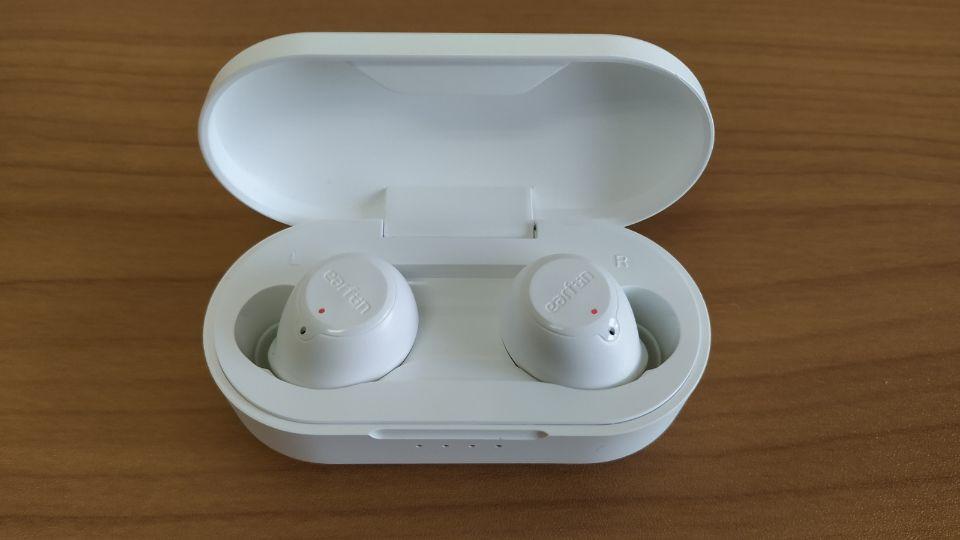 「EarFun Free」の輝度は適度「LEDランプ」