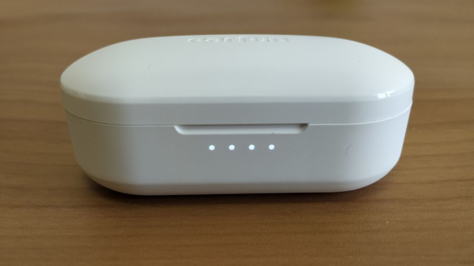 「EarFun Free」の残量が分かりやすい「LEDランプ」