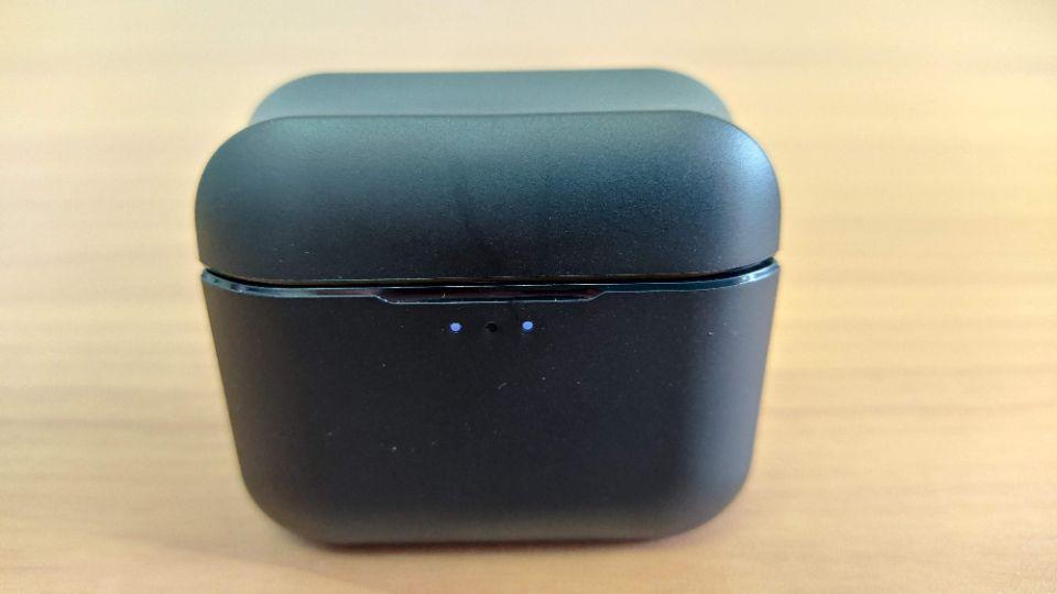 JPRiDE「TWS-520」の「ケースのLEDランプ」