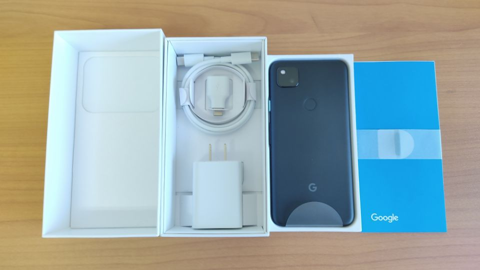 「Google Pixel 4a」の内箱