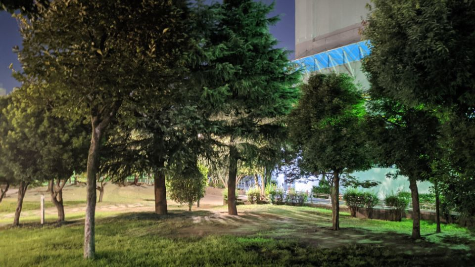 「Google Pixel 4a」の夜景モード