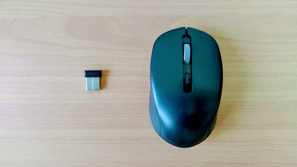 「SEENDAワイヤレスキーボード」のマウス