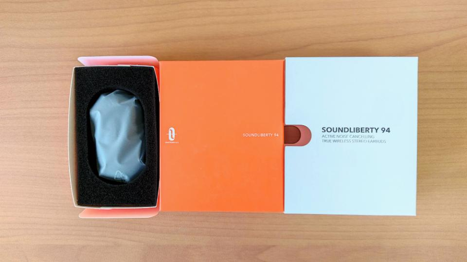 TaoTronics「SoundLiberty 94」の内箱