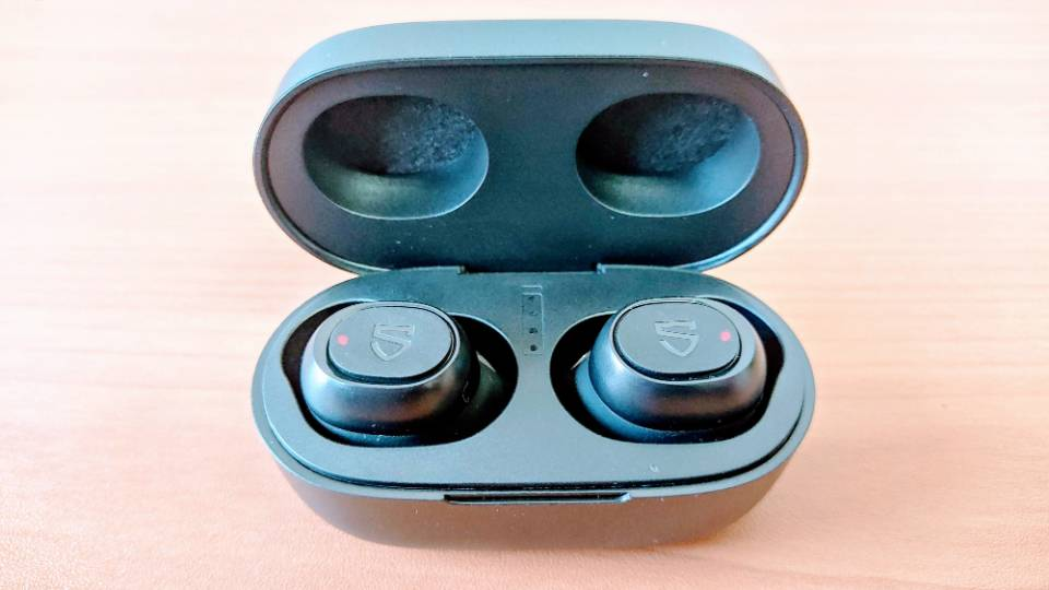 SoundPEATS「TrueFree 2」の充電ケースと本体