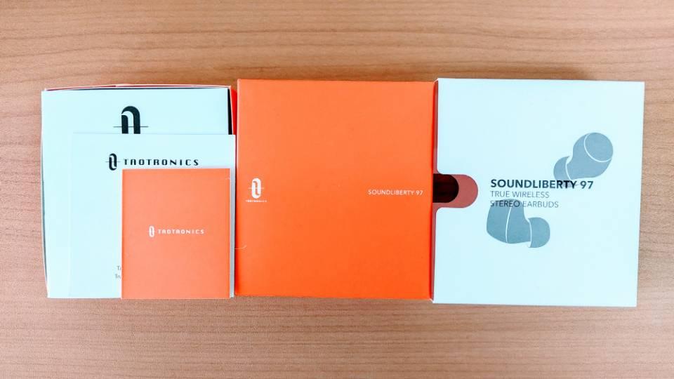 TaoTronics「SoundLiberty 97」の内箱